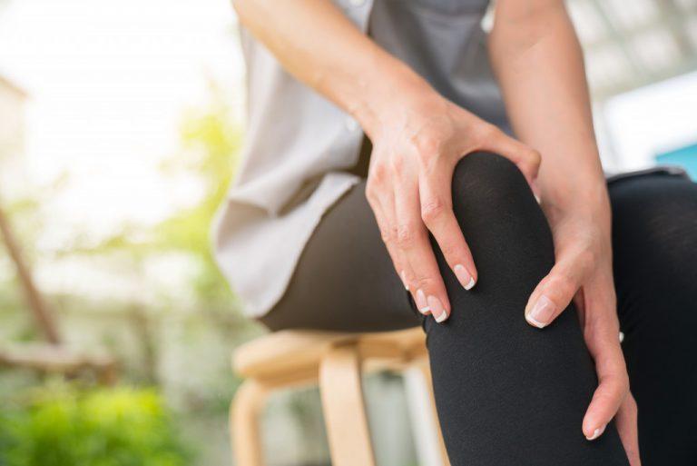 person experiencing arthritis
